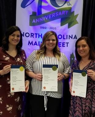 Elkin accepts 2019 NC Main Street Award